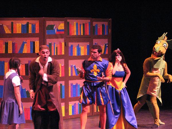 1.2 Teatro UPR (El Libro Magico de Pedro Rodiz, 17 junio 2008) 272 1