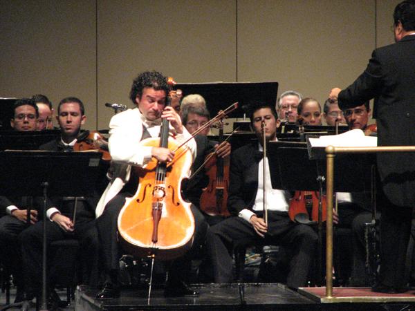 2 Teatro UPR (Orquesta Sinfonica de PR - 50 aniversario 1 nov 2008 178 1