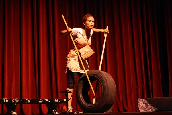30.2 Teatro UPR (Cabaretazo Humanis 30marzo2011) 090 1