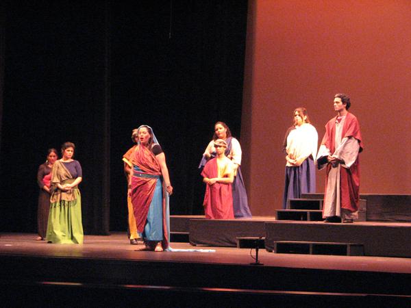 33.2 Teatro UPR (Teatro Lírico Escenas de la Vida 5may2011) 755 1