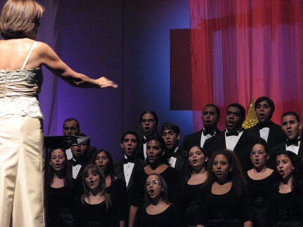 4 Teatro UPR (Coro UPR y Coralia 9 noviembre 2008) 057 1