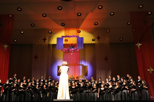 4.2 Teatro UPR (Coro UPR y Coralia 9 noviembre 2008) 358 1